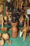 Αλατοδοχείο για fromolive ξύλινο χειροποίητο πιπεριών στοκ εικόνα