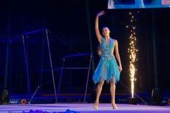 Αλεξάνδρα Soldatova, πολλαπλάσιος ρυθμικός πρωτοπόρος γυμναστικής στοκ φωτογραφία