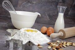 αλεύρι αυγών μπισκότων ψησί Στοκ εικόνες με δικαίωμα ελεύθερης χρήσης