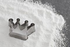 αλεύρι πιάτων κορωνών ψησίμ&alph Στοκ Εικόνες