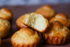 Αληθινό γαλλικό brioche πλούσιο βούτυρο ψωμιού Στοκ Εικόνες
