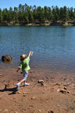 αλιεία αγοριών Στοκ Εικόνα