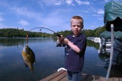 αλιεία αγοριών Στοκ φωτογραφία με δικαίωμα ελεύθερης χρήσης