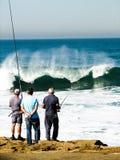 Αλιεία στα ατλαντικά κύματα Στοκ Φωτογραφία