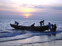 Αλιεία στον κόλπο της Βεγγάλης στοκ εικόνα