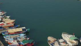 Αλιεία του λιμένα με τα παλαιά ξύλινα αλιευτικά σκάφη σε Alanya, Τουρκία απόθεμα βίντεο