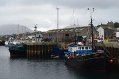 Αλιεία του λιμανιού Stromness, η second-most πυκνοκατοικημένη πόλη στην ηπειρωτική χώρα Orkney, Σκωτία στοκ εικόνες