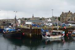 Αλιεία του λιμανιού Stromness, η second-most πυκνοκατοικημένη πόλη στην ηπειρωτική χώρα Orkney, Σκωτία στοκ φωτογραφία με δικαίωμα ελεύθερης χρήσης