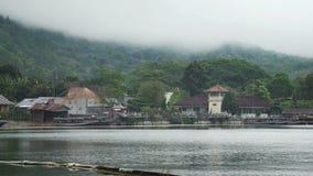 Αλιευτικά σκάφη στη λίμνη Batur στο Μπαλί Ινδονησία απόθεμα βίντεο