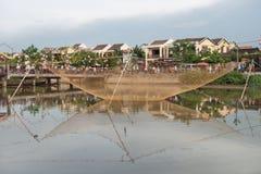 Αλιευτικό εργαλείο πέρα από τον ποταμό Hoai στοκ φωτογραφία