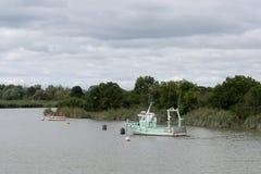 Αλιευτικό πλοιάριο στη σημαντική ανακάλυψη Carmet στοκ φωτογραφία με δικαίωμα ελεύθερης χρήσης