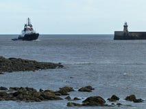 Αλιευτικό πλοιάριο στο στόμα του Τάιν Στοκ εικόνα με δικαίωμα ελεύθερης χρήσης
