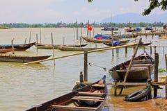 Αλιευτικό σκάφος σε Hoi, παγκόσμια κληρονομιά της ΟΥΝΕΣΚΟ του Βιετνάμ Στοκ Φωτογραφίες
