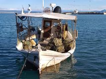 Αλιευτικό σκάφος σε Katakolo στοκ φωτογραφία