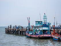 Αλιευτικό σκάφος στην Ταϊλάνδη στο λιμάνι Στοκ Φωτογραφίες