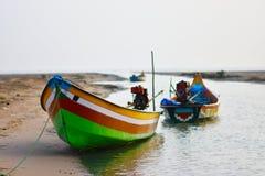 Αλιευτικό σκάφος στη θάλασσα όπου αλιεύοντας το τέλμα Στοκ Φωτογραφία