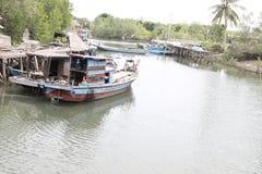 Αλιεύοντας τα δοχεία - βάρκες Ινδονησία Temajuk Στοκ Εικόνες