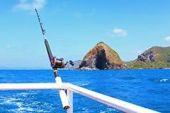 Αλιεύοντας τη ράβδο είναι έτοιμη παράκτια αλιεία Στοκ φωτογραφία με δικαίωμα ελεύθερης χρήσης