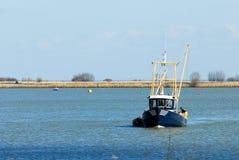 αλιεύοντας το σκάφος μικρό στοκ εικόνες