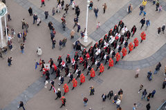 Αλλαγή του τιμητικού συντάγματος λαιμοδετών φρουράς επ' ευκαιρία του παγκόσμιου λαιμοδέτη ` ημέρα `, Ζάγκρεμπ Στοκ Φωτογραφία