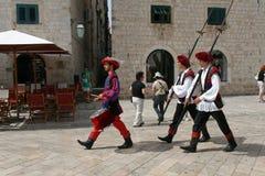 Αλλαγή των φρουρών σε Dubrovnik, Κροατία 2 2010 στοκ εικόνα
