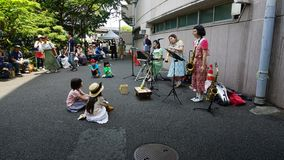 Αλληλεπίδραση μεταξύ του μουσικού και του ακροατηρίου, Ιαπωνία στοκ φωτογραφίες