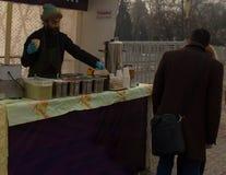 Αλμάτι, Καζακστάν, πωλητής Shawarma στοκ φωτογραφία με δικαίωμα ελεύθερης χρήσης