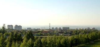 Αλμάτι, Καζακστάν, στις αρχές χρόνου άνοιξη, Al-Farabi λεωφόρος, πρώτο πάρκο Προέδρου ` s στοκ φωτογραφίες με δικαίωμα ελεύθερης χρήσης
