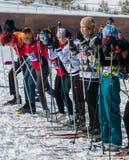ΑΛΜΆΤΙ, ΚΑΖΑΚΣΤΑΝ - 18 ΦΕΒΡΟΥΑΡΊΟΥ 2017: ερασιτεχνικοί ανταγωνισμοί στην πειθαρχία ανώμαλο να κάνει σκι, με το όνομα Στοκ Εικόνα