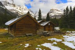 Αλπική λέσχη της Elizabeth Parker της καλύβας του Καναδά στο εθνικό πάρκο Yoho στοκ εικόνες