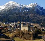 αλπικό ελβετικό χωριό Στοκ Εικόνα