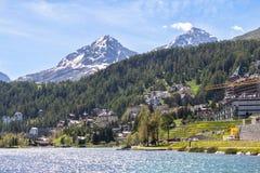 Αλπικό τοπίο με τη λίμνη του ST Moritz, Ελβετία Στοκ φωτογραφία με δικαίωμα ελεύθερης χρήσης