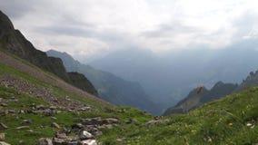Αλπικό υπόβαθρο αιχμών landskape Jungfrau, ορεινή περιοχή Bernese Άλπεις, έννοια πεζοπορίας τουρισμού και περιπέτειας απόθεμα βίντεο
