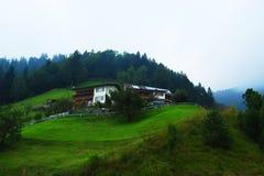 αλπικό όμορφο σπίτι στοκ φωτογραφίες με δικαίωμα ελεύθερης χρήσης
