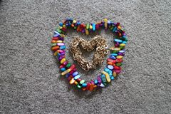 Αλυσίδα και beading καρδιά Στοκ Εικόνες