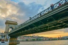 αλυσίδα της Βουδαπέστης γεφυρών στοκ φωτογραφία με δικαίωμα ελεύθερης χρήσης