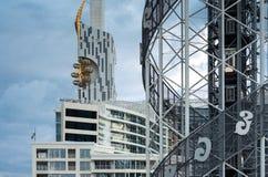 Αλφαβητικός πύργος και τεχνολογικός πανεπιστημιακός πύργος Batumi στοκ εικόνες