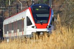 Αμαξοστοιχία περιφερειακού σιδηροδρόμου στοκ εικόνες