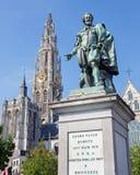 Αμβέρσα - άγαλμα του ζωγράφου Σελ. Σελ. Rubens και πύργος του καθεδρικού ναού από το Willem Geefs Στοκ φωτογραφία με δικαίωμα ελεύθερης χρήσης