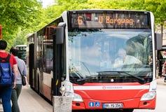 ΑΜΒΟΥΡΓΟ, DEUTSCHLAND - 22 Mai, 2016: Stadtbusse στο Αμβούργο Στοκ Εικόνες