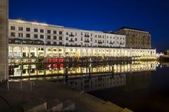 Αμβούργο Alsterarkaden τη νύχτα Στοκ Εικόνες