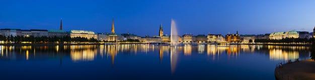 Αμβούργο Binnenalster τη νύχτα Στοκ Εικόνες