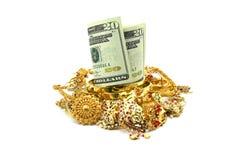 Αμερικανικά δολάρια ή χρήματα και χρυσό κόσμημα Στοκ Φωτογραφίες