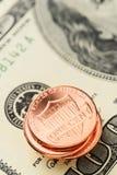 Αμερικανικά δολάρια και σεντ Στοκ Εικόνες