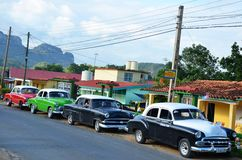 Αμερικανικά Chevrolets και Cadillacs στην Κούβα Στοκ εικόνα με δικαίωμα ελεύθερης χρήσης