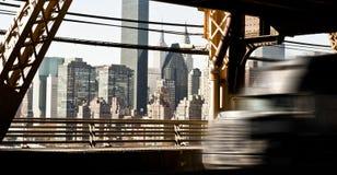 Αμερικανική επιτάχυνση φορτηγών στη γέφυρα βασιλισσών Στοκ φωτογραφίες με δικαίωμα ελεύθερης χρήσης