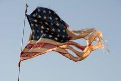 αμερικανική σημαία κουρελιασμένη Στοκ Φωτογραφίες