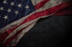 Αμερικανική σημαία σε έναν πίνακα κιμωλίας με το διάστημα για το κείμενο στοκ εικόνα με δικαίωμα ελεύθερης χρήσης
