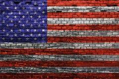 Αμερικανική σημαία στον παλαιό τουβλότοιχο στοκ φωτογραφία