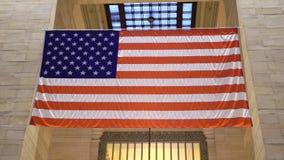 ΑΜΕΡΙΚΑΝΙΚΗ σημαία στο εσωτερικό απόθεμα βίντεο